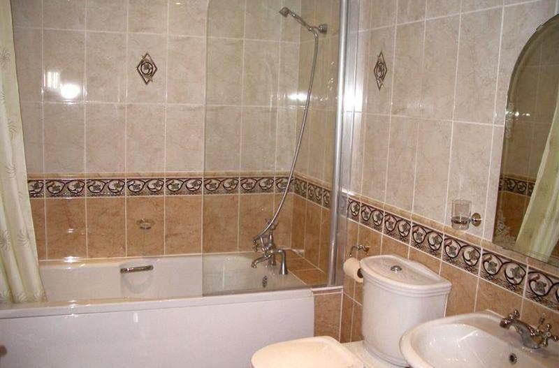 Недорогой ремонт маленькой ванной комнаты